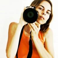 Fotograf med kamera. FreeImages.com/Erika Thorpe